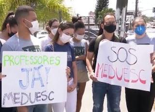 Estudantes-protestam-falta-de-professores